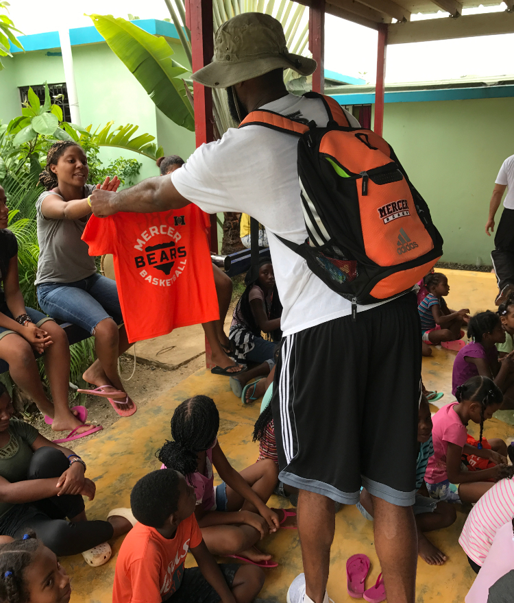 A Mercer on Mission trip to the Domincan Republic